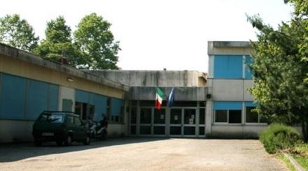 NICHELINO - Ladruncoli entrano nella scuola chiusa e rubano le monetine delle macchinette