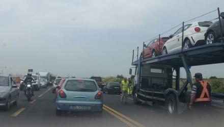NICHELINO - Lennesimo incidente manda in tilt via Debouchè