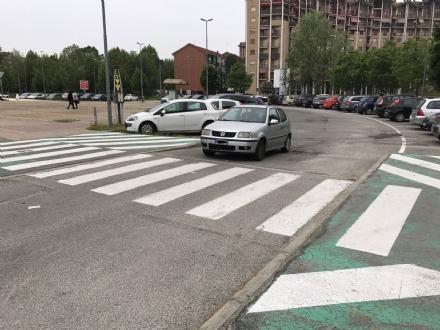 NICHELINO - Pedone investito davanti al poliambulatorio di via Debouchè