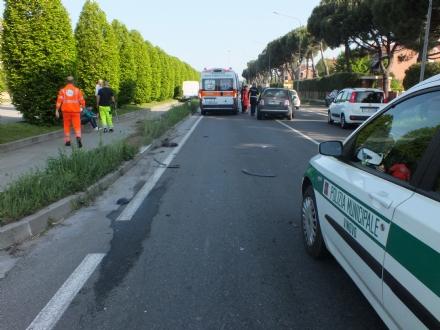 VINOVO - Incidente sulla provinciale 143: donna in ospedale