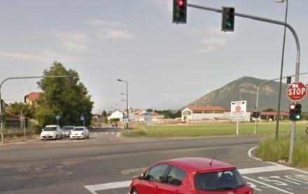 RIVALTA - Polemica sul vista red allincrocio tra via Giaveno, via Nenni e via Piossasco