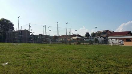 """RIVALTA - """"Chiuso per vandali"""": il campetto di via Trento non è più utilizzabile"""