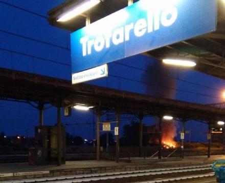 TROFARELLO - A fuoco nella notte unauto rubata, ma il rogo non è di matrice dolosa
