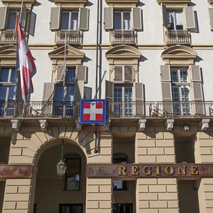 ELEZIONI - Via allo spoglio per le Regionali: Secondo gli exit poll Cirio in vantaggio