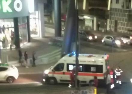 MONCALIERI - Travolge in auto una carrozzina e non si ferma, bimba di un anno in ospedale