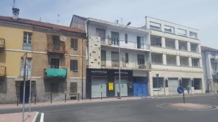 MONCALIERI - Occupano abusivamente due palazzine private, ordine di sgombero per quattro famiglie