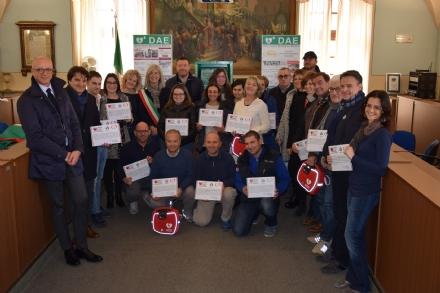 CARMAGNOLA - Installati tre nuovi defibrillatori nei luoghi simbolo della città