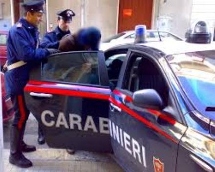 NICHELINO - Arrestato mentre rubava in un alloggio vicino alla caserma dei carabinieri