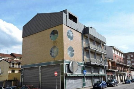 NICHELINO - Le piccole attività commerciali continuano ad essere in crisi