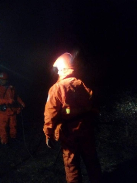 PIOSSASCO - Piromani in azione al San Giorgio, ma i volontari boschivi evitano il disastro