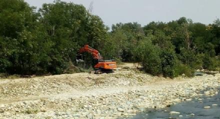 RIVALTA - Lavori in corso sul Sangone per mettere in sicurezza le sponde