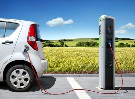 PIOSSASCO - Arrivano le colonnine elettriche per le auto