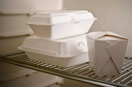NICHELINO - Agli studenti di elementari e medie, il doggy-bag anti spreco di cibo