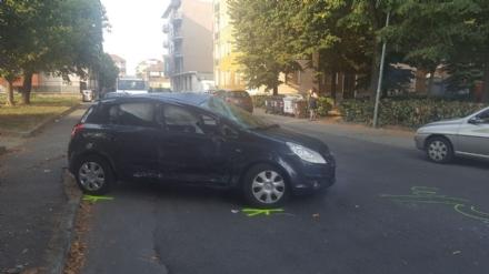NICHELINO - Incidente tra via Martiri e via Milano, quattro feriti. Il semaforo è guasto da più di dieci giorni