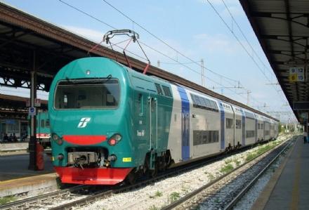 TROFARELLO - Allarme sulla ferrovia per una persona a piedi sui binari