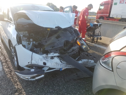 LA LOGGIA - Incidente sulla tangenziale: due feriti in ospedale