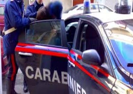 NICHELINO - Vandalo dauto arrestato dai carabinieri per resistenza
