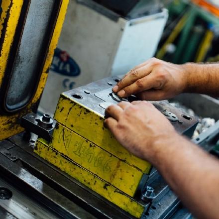 BEINASCO - Fallisce la ditta Furlan, nel ramo automotive