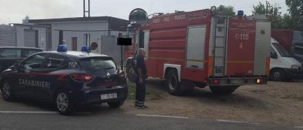 NICHELINO - Paura in viale Matteotti per un furgone andato a fuoco