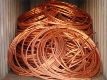 CARMAGNOLA - Furto di cavi di rame in unazienda di via Chieri