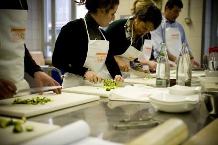 MONCALIERI - A scuola di cucina... con gli anziani dellAuser