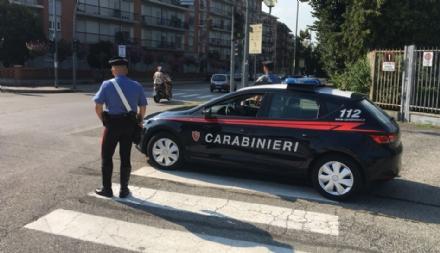 MONCALIERI - Lancio di uova: è il terzo caso in pochi giorni segnalato ai carabinieri