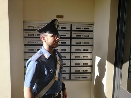 MONCALIERI - Importuna il suo ex per mesi ma a chiamare i carabinieri sono i vicini