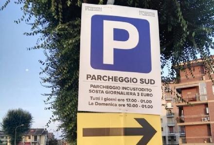 CARMAGNOLA - Parcheggi a pagamento per la Fiera del Peperone: cè il pass per i residenti