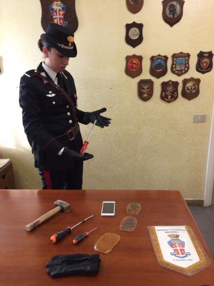 NICHELINO - I carabinieri fermano quattro rom e sventano furti in appartamento