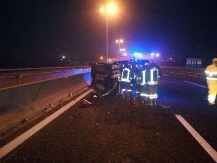 MONCALIERI - Grave incidente stradale in tangenziale: ferita una guardia giurata - FOTO