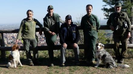 PIOSSASCO - Uccidono i cani con i bocconi avvelenati: caccia ai balordi nel parco del Monte San Giorgio