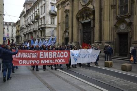 EX EMBRACO - Manifestazione dei lavoratori a Milano: Onorare gli impegni