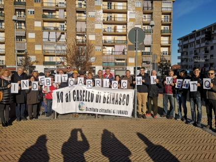 BEINASCO - I sindaci in presidio contro il casello. Il Ministero: Indebito arricchimento dei gestori