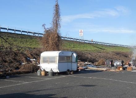 MONCALIERI - Niente più bivacchi in città: il Comune mette nel mirino i camper rom