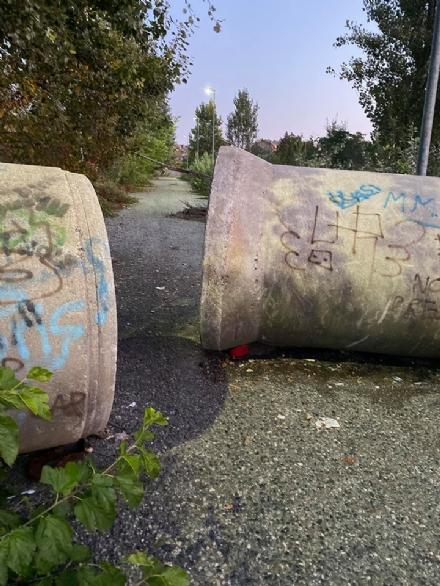 ORBASSANO - Tubi di cemento trasformati in stanze del buco: lallarme dei residenti