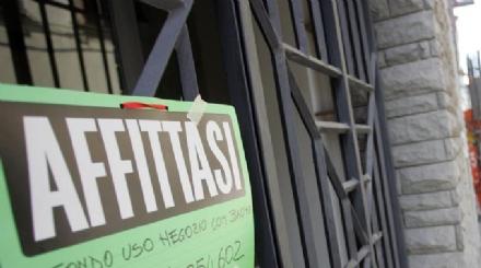 NICHELINO - Allarme dei piccoli negozianti: «Preoccupati per i nuovi centri commerciali che verranno».