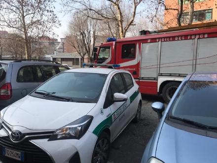 NICHELINO - Famiglia con neonato bloccata in casa, intervengono vigili e pompieri