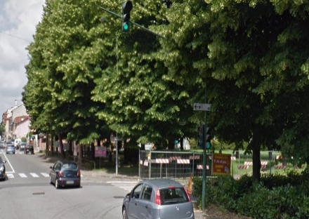 NICHELINO - Dopo lincidente, rimesso in funzione il semaforo di via Dei Martiri