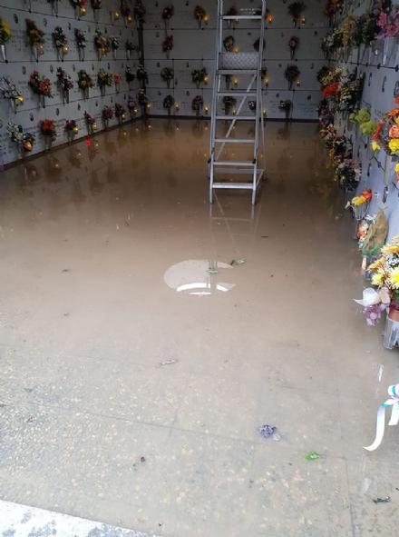 TROFARELLO - Maltempo allaga il cimitero, il sindaco tranquillizza per le festività