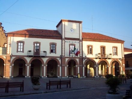 ORBASSANO - Nuovo municipio, polemiche tra sindaco e Pd sulla ditta che svolge i lavori