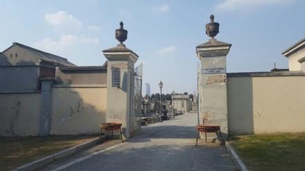 MONCALIERI - La raccolta differenziata si fa anche al cimitero