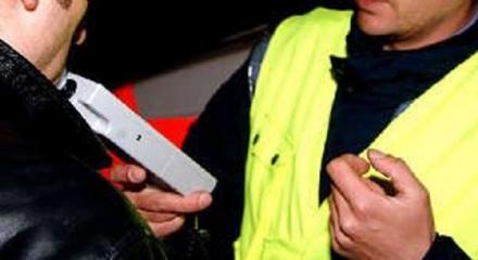 RIVALTA - Controlli alcoltest nella notte di sabato: diverse patenti ritirate