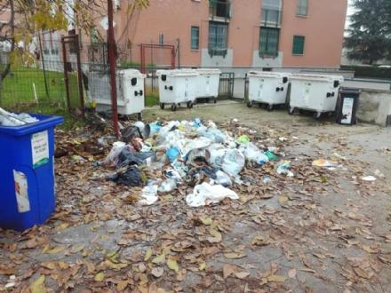CARMAGNOLA - Scaricano i rifiuti ma il Comune risale ai responsabili: multati