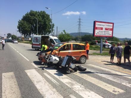 MONCALIERI - Due motociclisti feriti nello schianto in strada Carignano