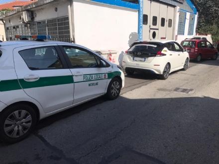 NICHELINO - Investe in taxi una donna mentre fa retromarcia