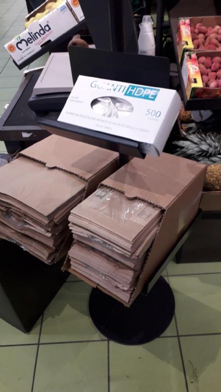 CINTURA - Anche in zona sud non mancano le lamentele per i sacchetti a pagamento