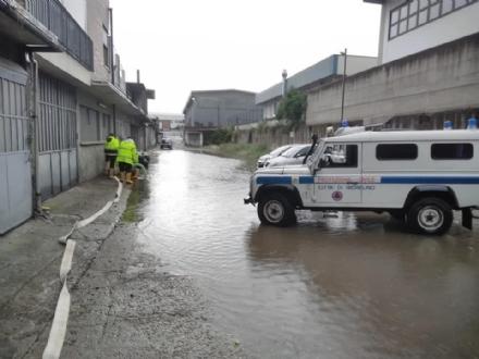 NICHELINO - Decine di interventi per allagamenti a causa del maltempo di ieri. Oggi altre piogge