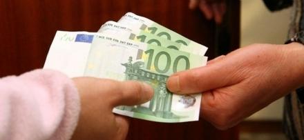 BEINASCO - Tornano in azione i truffatori: rubati ad unanziana quattromila euro