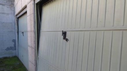 MONCALIERI - I ladri ripuliscono una decina di garage in via Ada Negri