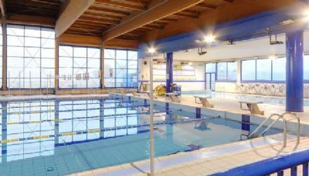 NICHELINO - Guasto alle pompe del cloro in piscina: due persone in ospedale